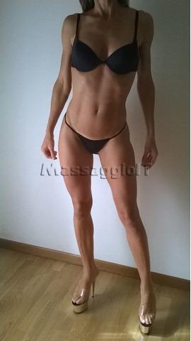 Massaggiatrici Pordenone SPLENDIDA E DOLCE RAGAZZA TI ASPETTA PER FAVOLOSI MASSAGGI -