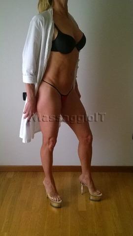 Massaggiatrici Vicenza New- Affascinante ragazza italiana molto dolce, sexy e passionale  per massaggi stupendi