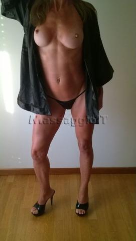 Massaggiatrici Padova RAGAZZA ITALIANA PER COCCOLE MASSAGGI E TANTO BENESSERE