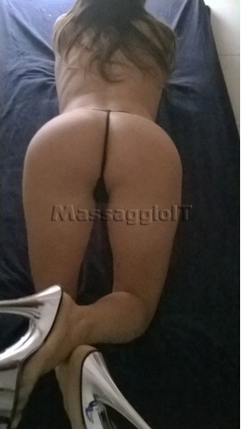Massaggiatrici Verona NEW- TRAVOLGENTE MASSAGGIATRICE SEXY PER BODY MASSAGE, NURU E ROMANTICI