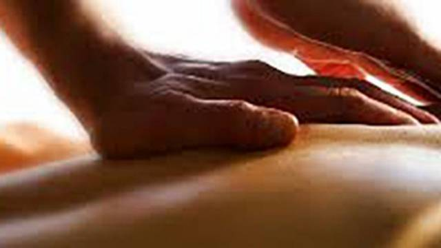 Centri Benessere Bergamo Massaggiatrice in centro benessere con sauna
