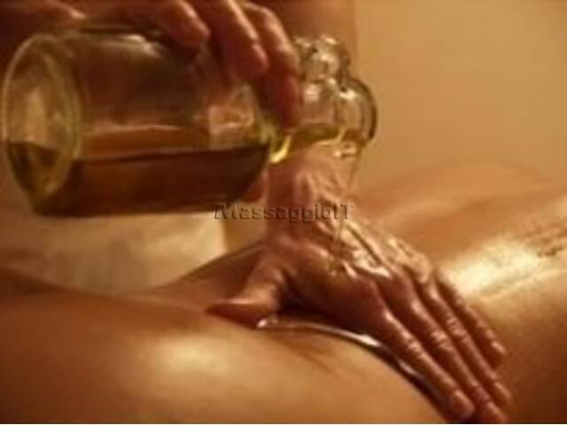 Massaggiatori Modena MASSAGGIATORE Uomo ( Solo per donne)