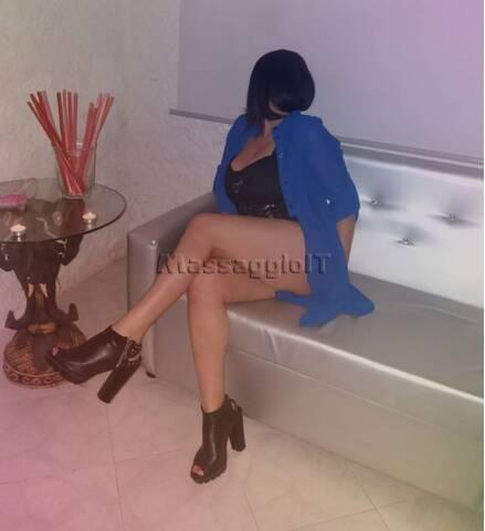 Massaggi Napoli MARGO' ragazza seria e disponibile